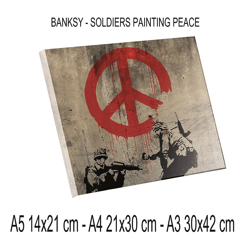 Stampa Diretta su PLEXIGLAS ULTRAHD - Bansky - Soldiers painting peace - 100% QUALITà ITALIA pannello Dipinto Idea Regalo Casa quadro cucina stanza da letto soggiorno (A3) Social Crazy plexi1575