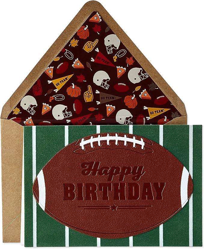 Amazon.com: Hallmark - Tarjeta de cumpleaños para él (fútbol ...