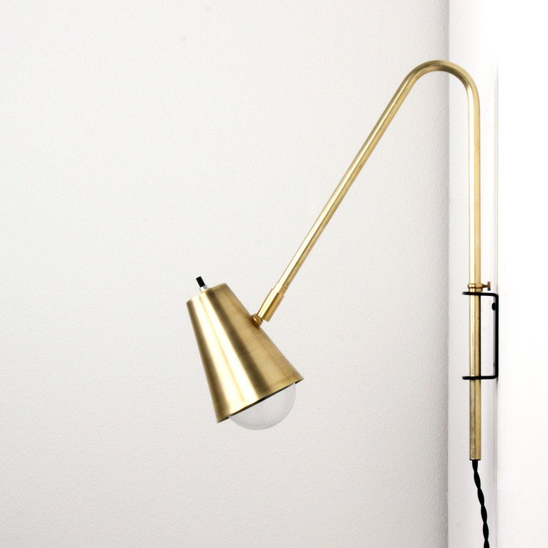 Brass Wallace lamp - onefortythree