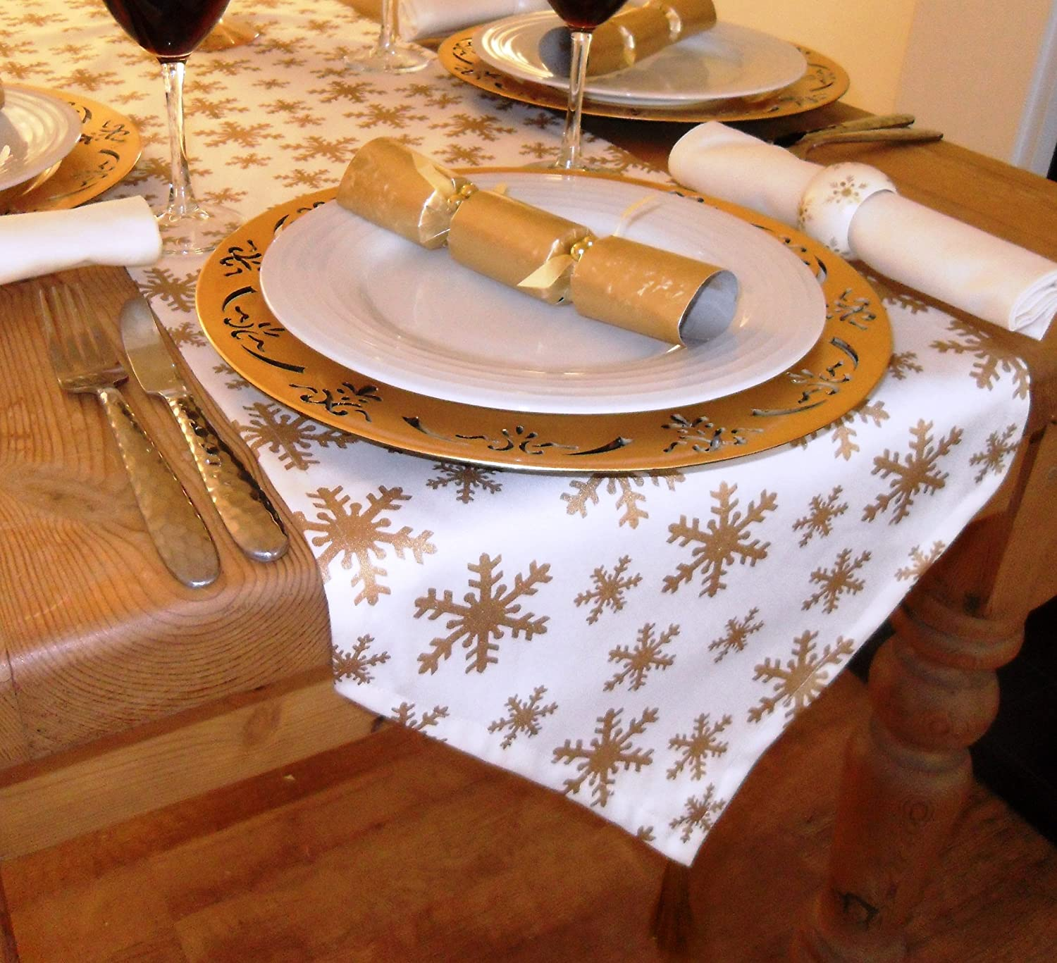 GOLD SNOWFLAKE CHRISTMAS TABLE RUNNER Amazon Kitchen
