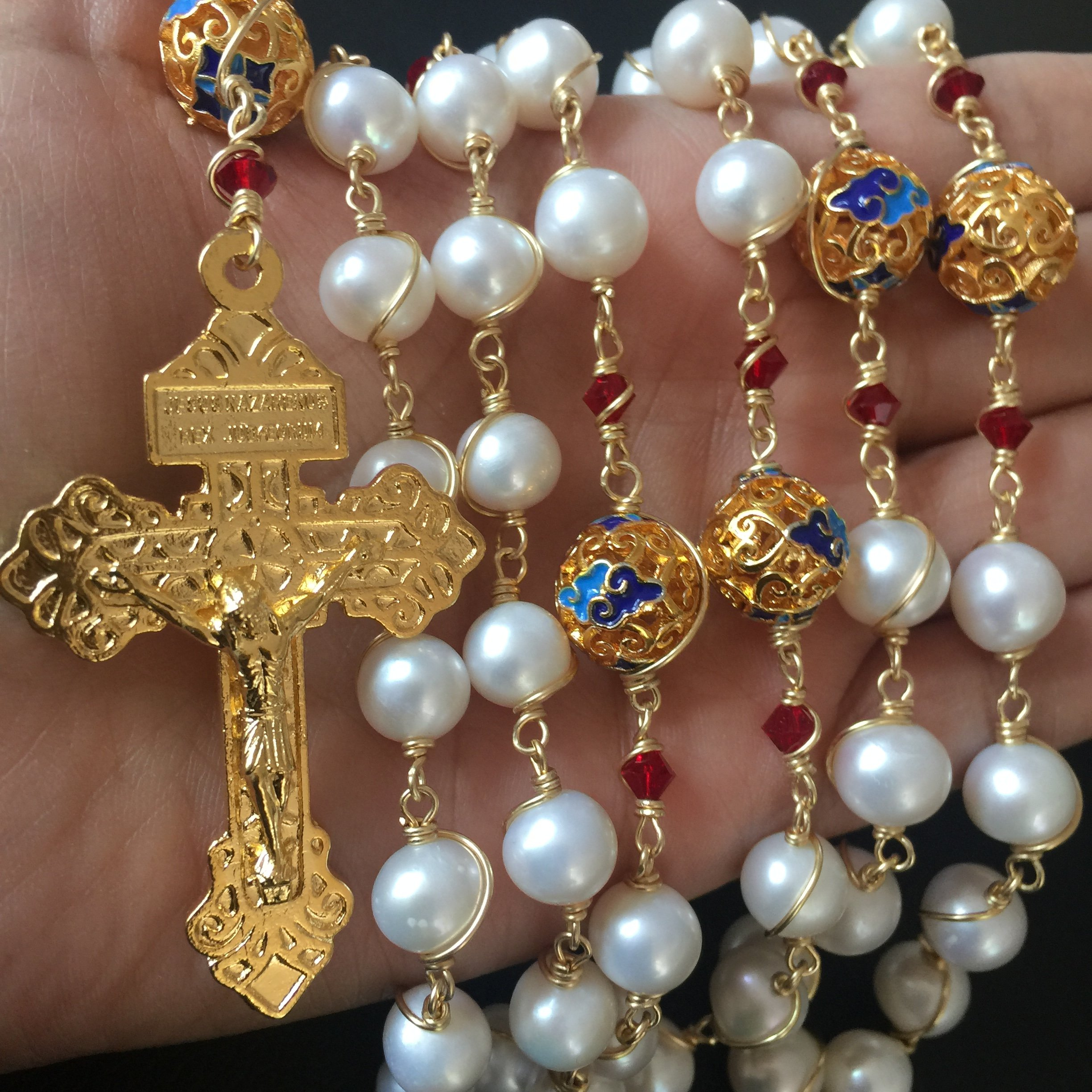 elegantmedical Handmade Gold Wire Wrapped Bead AAA White 10mm Real Pearl Rosary Cross Necklace Box