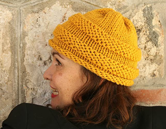 Gorro de lana tejido a mano - Mostaza  Amazon.es  Handmade e3cd7f0bd39