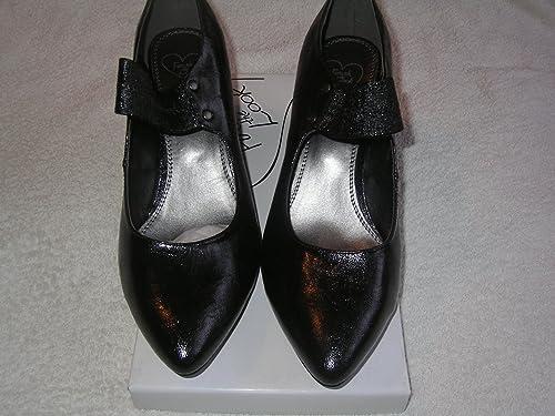 Size 9eee Wide Fitting Shoe