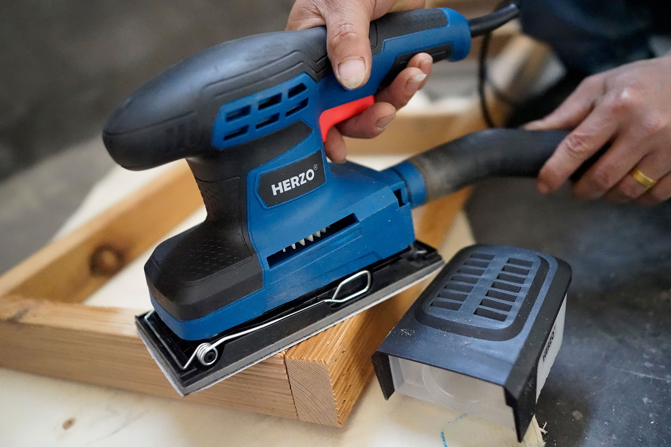 Sheet Sander HERZO 1/3 Finishing Sander with Self-Dust Collection Box, Hook-and-Loop Base Pad and 10 Pcs Sandpaper 2.2A by HERZO (Image #5)