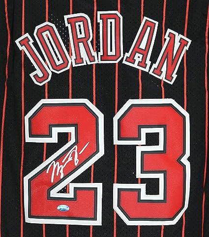 pretty nice 50df9 8ef90 Michael Jordan Chicago Bulls Signed Autographed Black ...