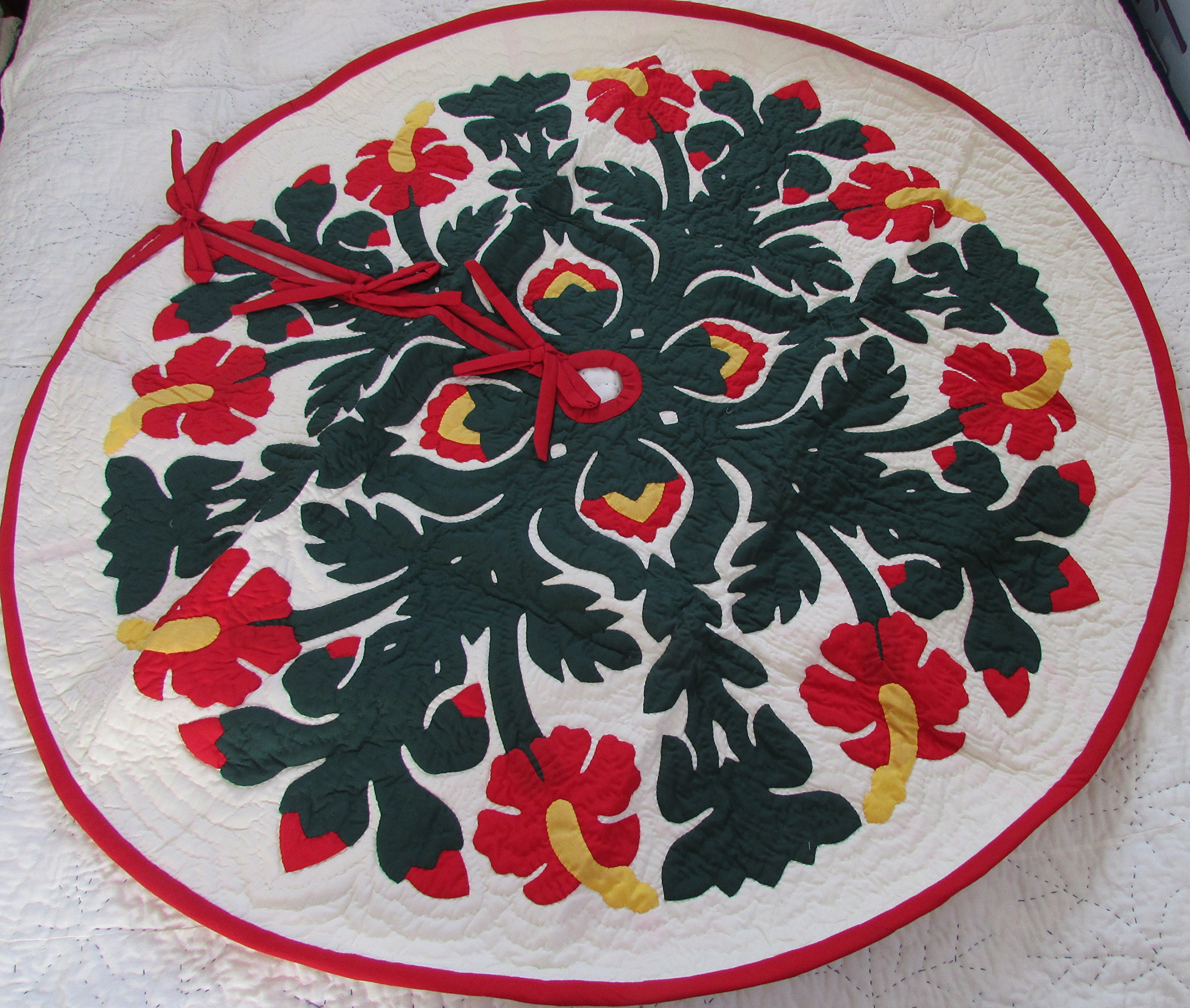 Hawaiian quilt 100% hand quilted/hand appliqued Christmas tree skirt 60'' by Hawaiian Quilt Shop (Image #1)