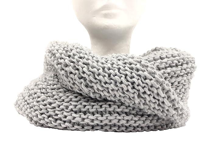 foto ufficiali ef3a1 3060a Scaldacollo in maglia, sciarpa ad anello intrecciato col ...