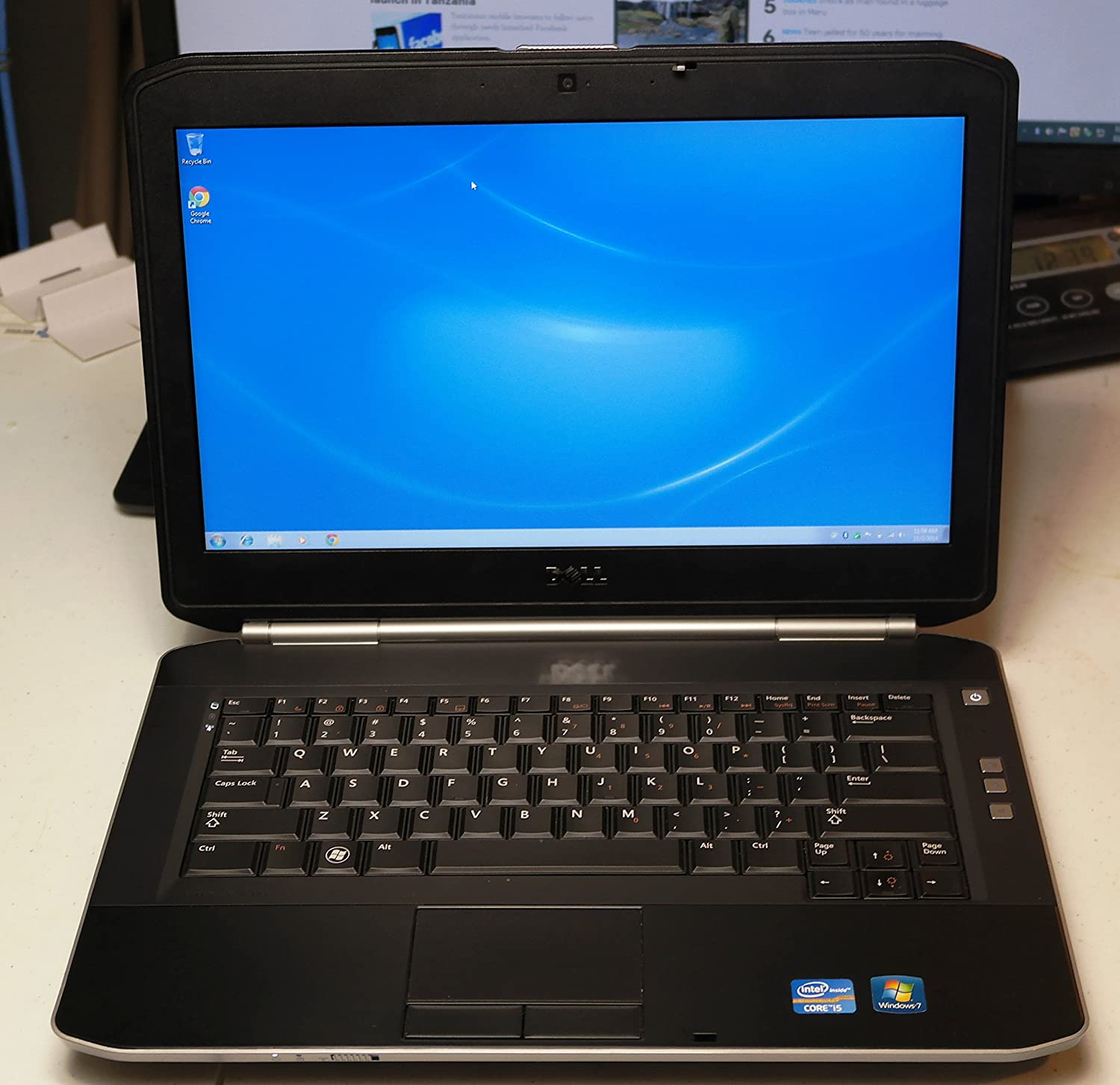 "Latitude E5420 14"" LED Notebook Core i5 2.50GHz 2GB DDR3 SDRAM 320GB HDD DVD-Writer 32-bit Windows 7 Professional"