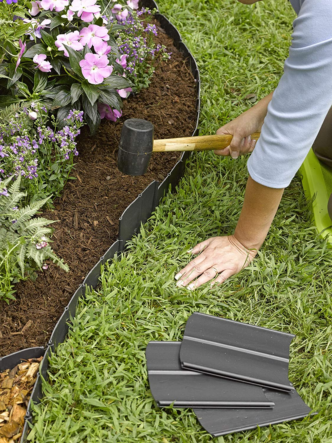 "Easy No- Dig, Pound-in, Interlocking Landscaping Edging Kit 5"" Tall, 5  Long"