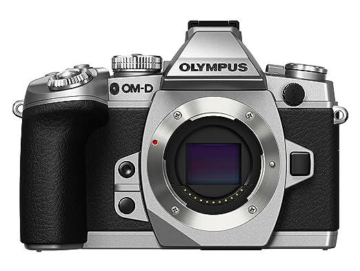"12 opinioni per Olympus OM-D E-M1 Fotocamera Mirrorless 16.3 MP, Solo Corpo, Display LCD TFT 3"","