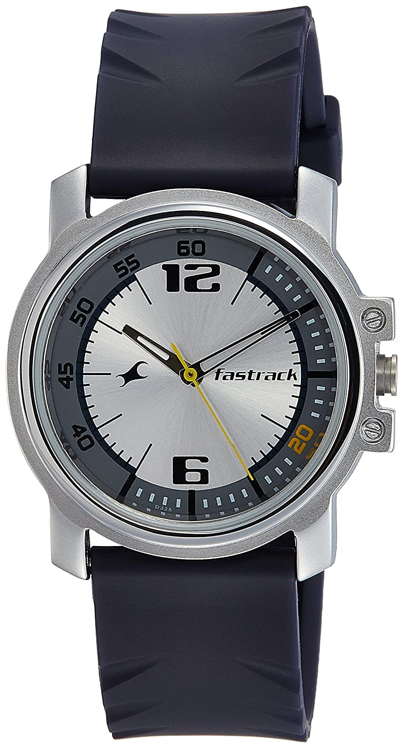 cb627a326 Buy Fastrack Analog Silver Dial Men s Watch - 3039SP01 Online at Low Prices  in India - Amazon.in