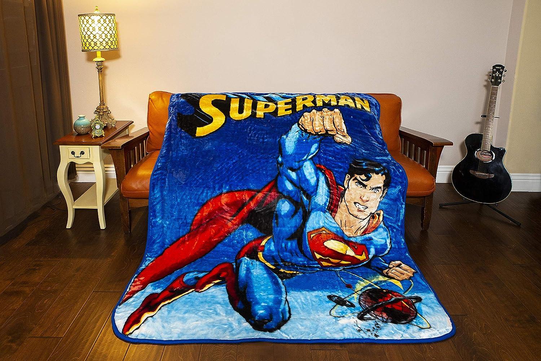 JPI Batman Emblem Super Soft Luxury Fleece Throw Blanket with Sewn edge 100/% Polyester Fiber 50 x 60 Black