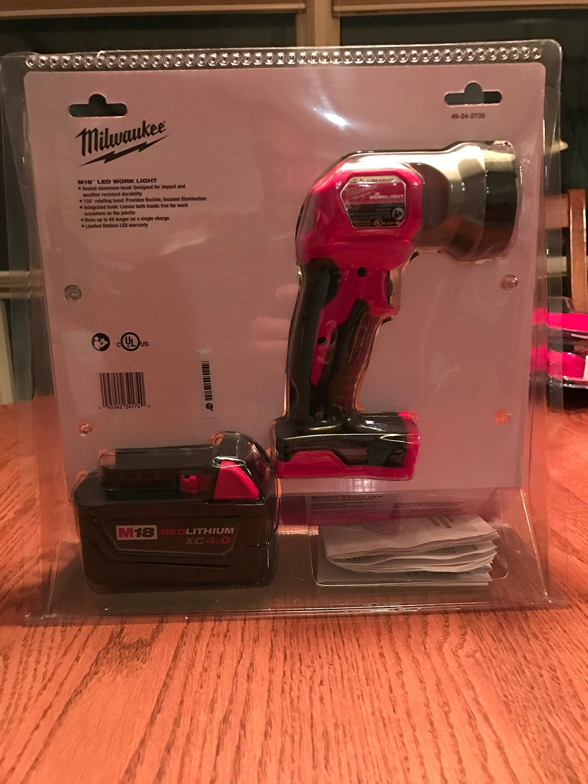 MILWAUKEE ELECTRIC TOOL GIDDS2-2490393 M18 Xc 4.0 Battery with Worklight Kit by Milwaukee Electric Tool