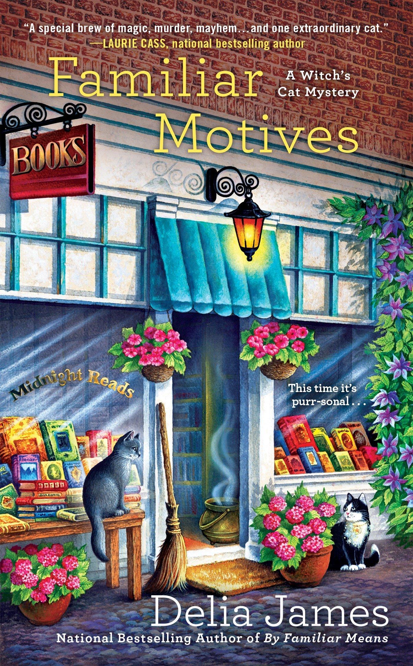 Amazon.com: Familiar Motives (A Witch\'s Cat Mystery) (9780451476593 ...