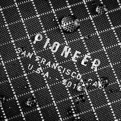 Amazon.com: Pioneer - Cartera plegable, S: Clothing