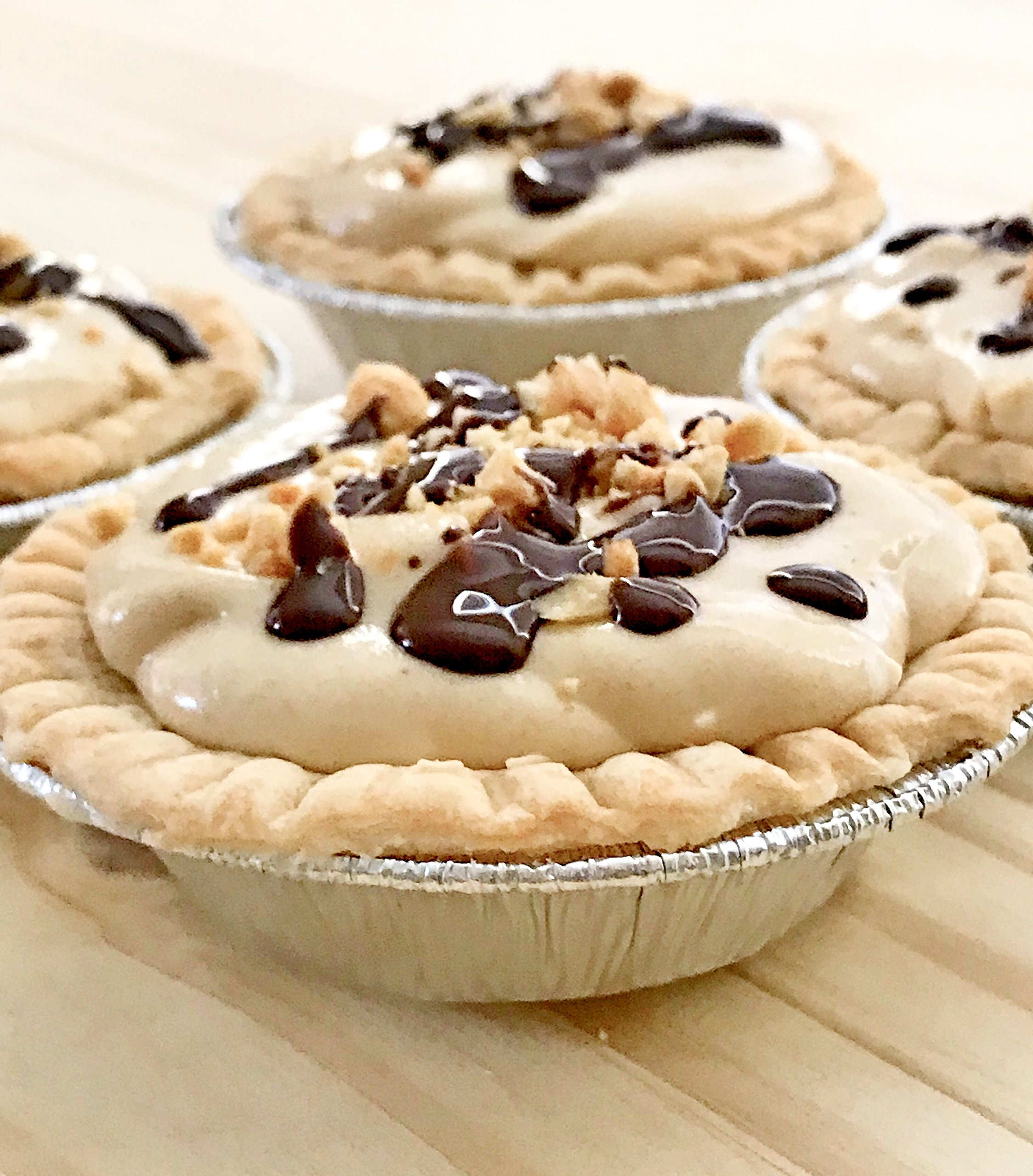 Made in USA - Pack of 200 Mini 3'' Tart Pans - Perfect for individual mini pies - Disposable