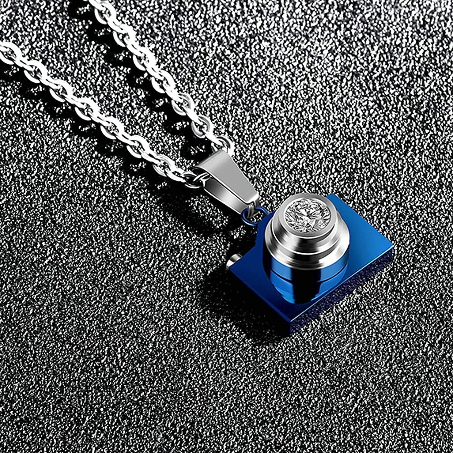 Men Women Stainless Steel Camera Shape with Crystal Pendant Necklace Gnzoe 2 Pcs Couples Necklace