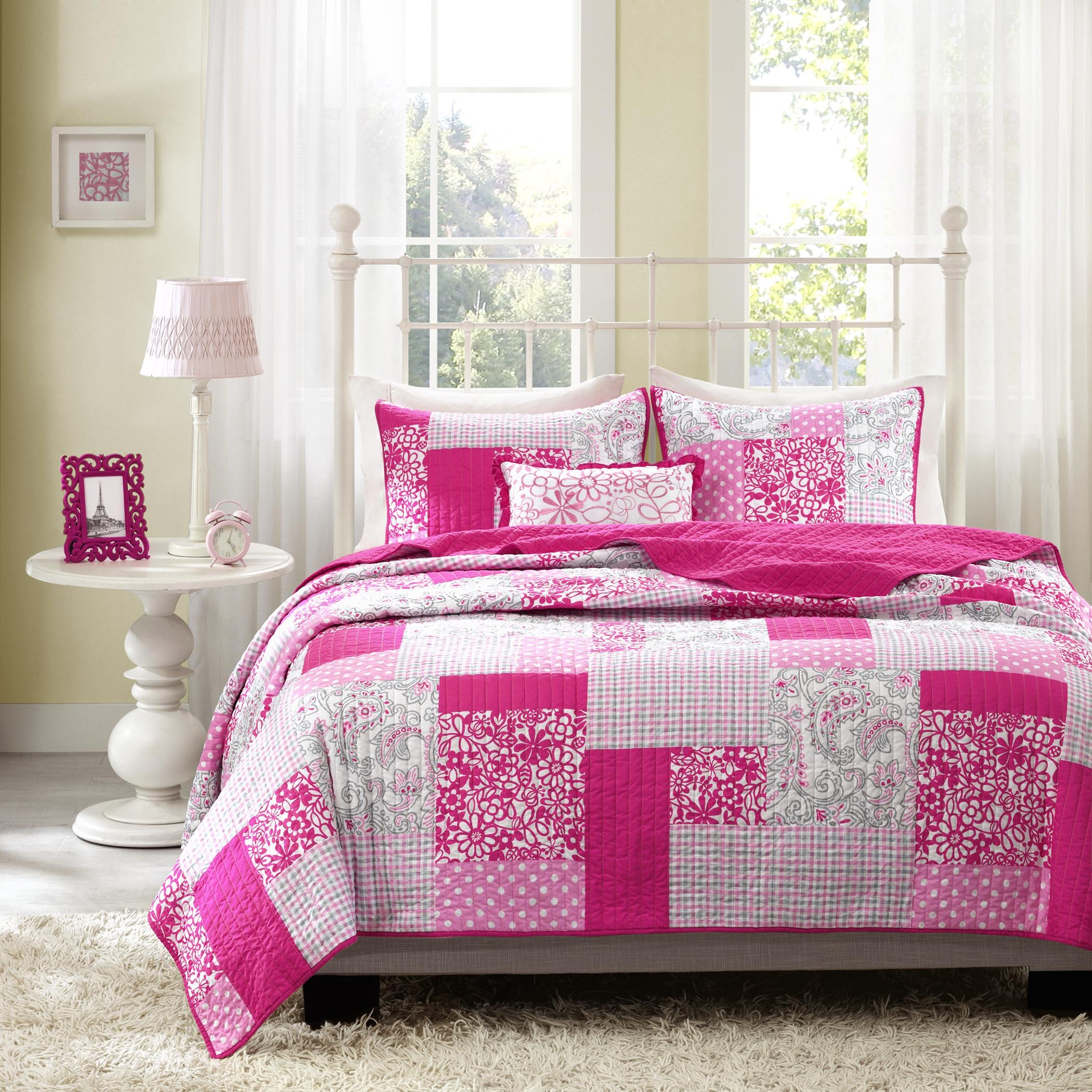 Mi-Zone Abbey Twin/Twin XL Girls Quilt Bedding Set - Hot Pink, Pieced Floral, Polka Dot, Paisley - 3 Piece Teen Girl Bedding Quilt Coverlets - Ultra Soft Microfiber Bed Quilts Quilted Coverlet by Mi-Zone
