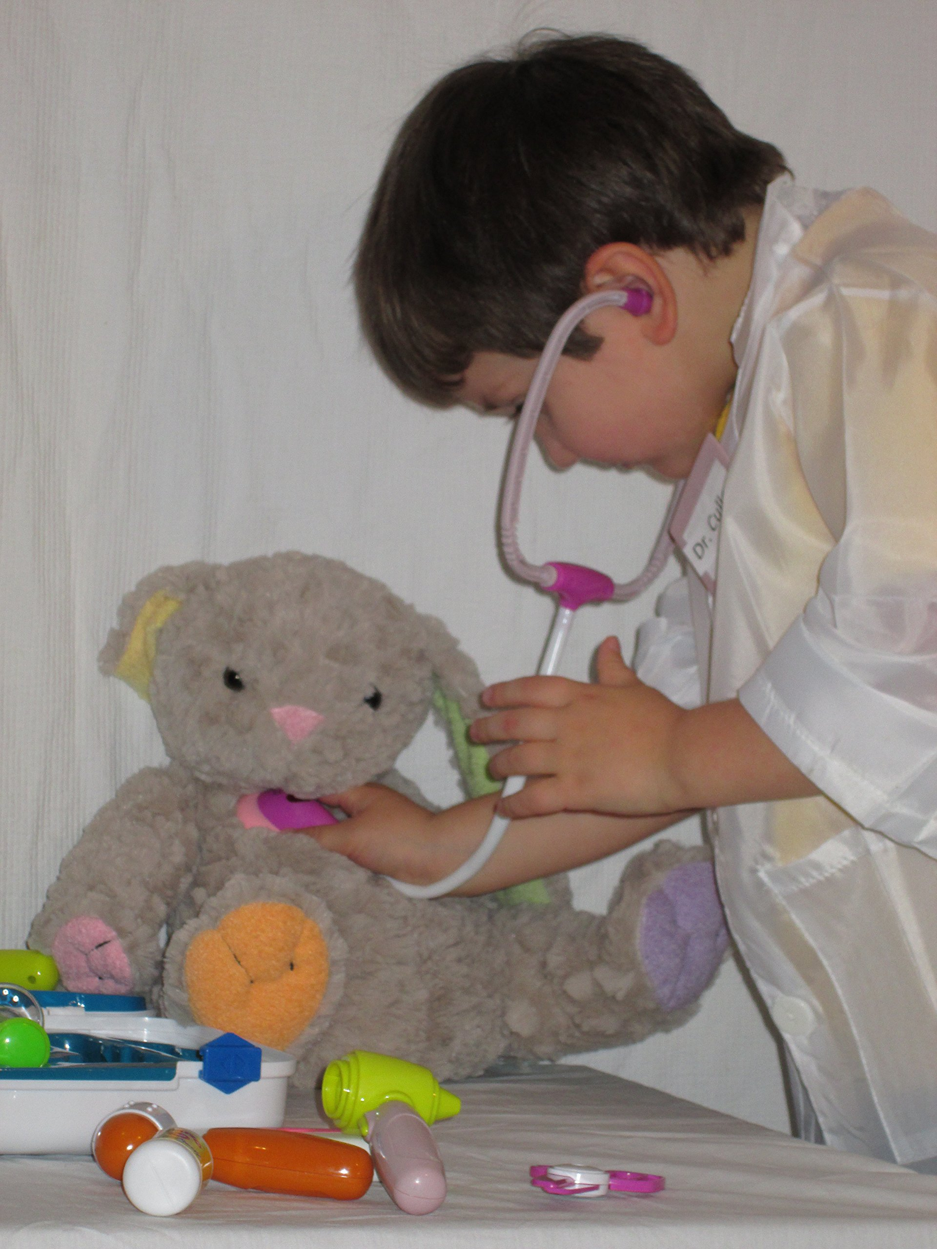 Toy Medical Doctor on Duty Set + Light and Sound -Doctor Coat ,Carry Case Included- Great Educational Role Play for Girls and Boys - Eliminate Check-up Anxiety- Provides Hours of Imigiative Interactive Fun - No Risk Guarantee