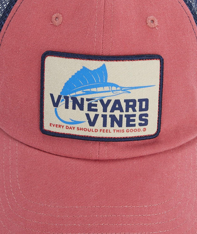 08bc7ed6801 Vineyard Vines Sailfish Hook Patch Trucker Hat (Jetty RED): Amazon ...