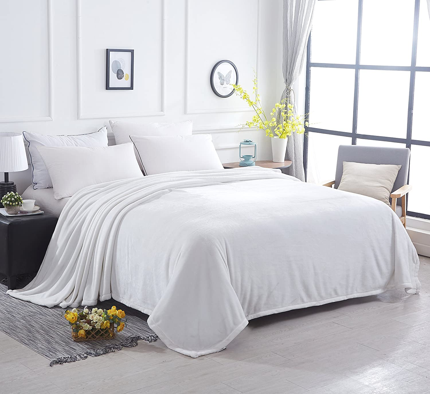 Sonoro Kate Fleece Blanket Soft Warm Fuzzy Plush Extra Queen(100-Inch-by-90-Inch) Lightweight Cozy Bed Couch Blanket White