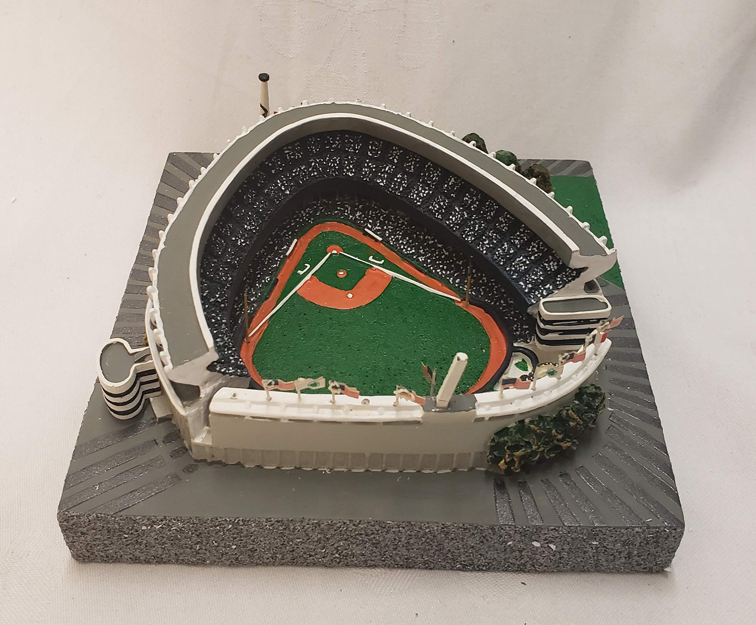New York Yankees Gold Series Old Yankee Stadium Replica