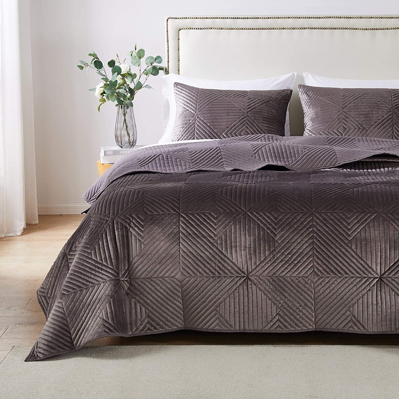 Barefoot Bungalow Riviera Velvet Quilt and Pillow Sham Set, 3-Piece King/Cal King, Storm Gray