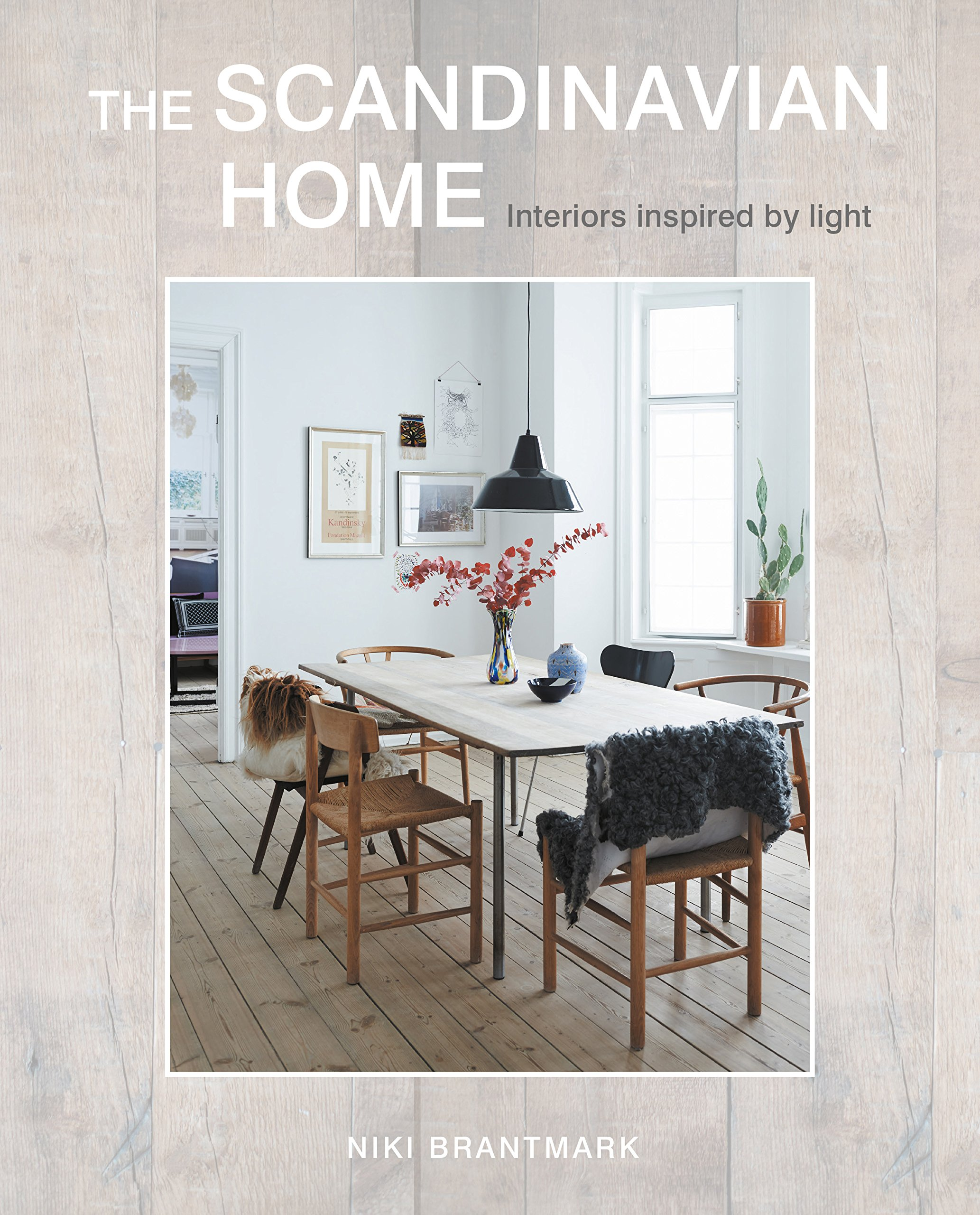 Amazon.com: The Scandinavian Home: Interiors inspired by light ...