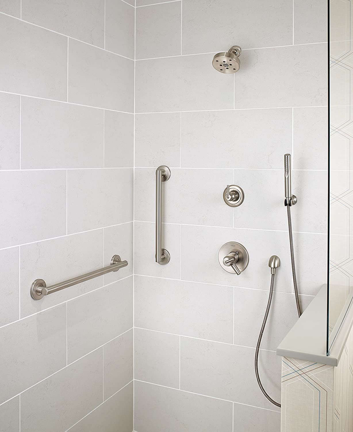 Amazon.com: Delta 41824-SS Contemporary Grab Bar with Concealed ...