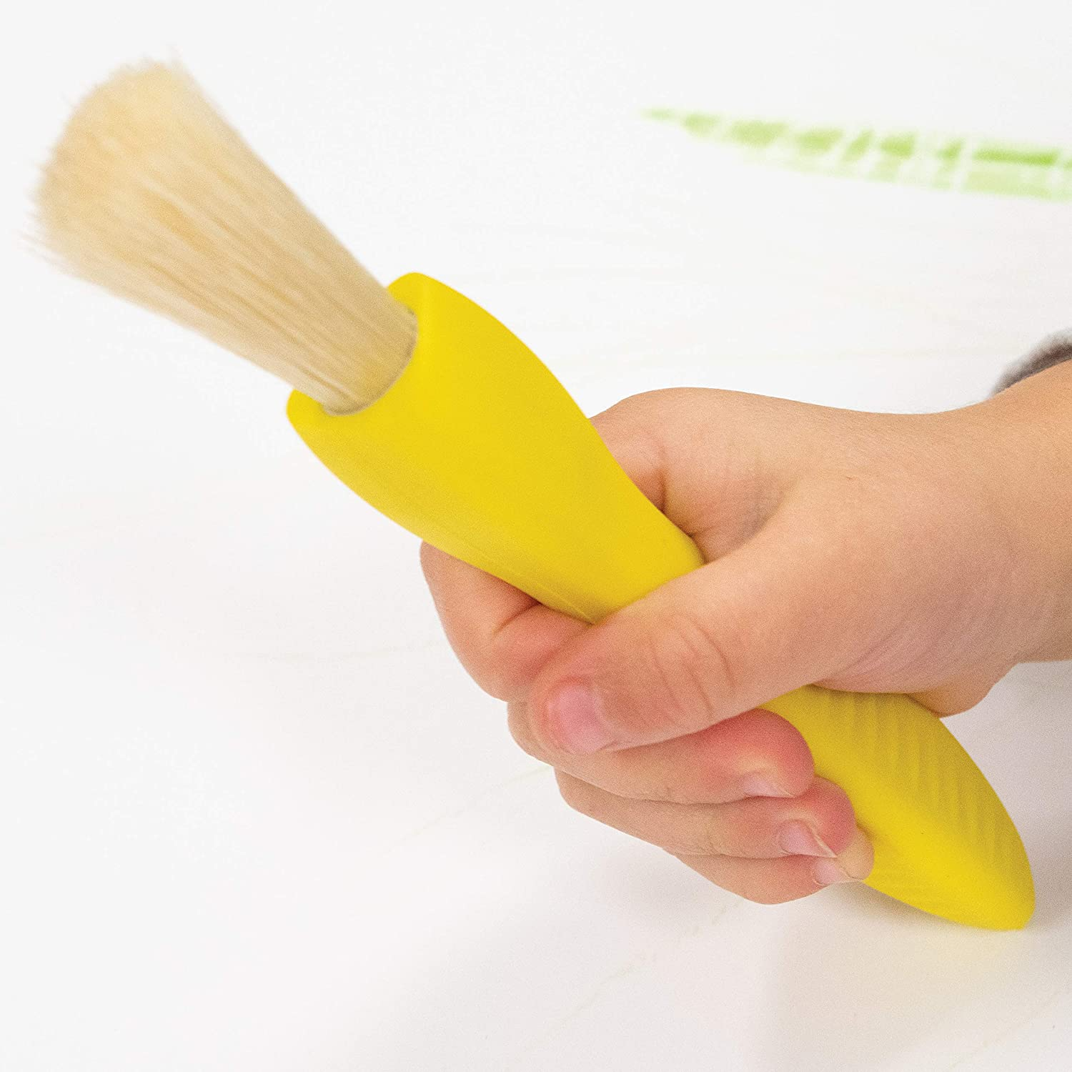 Encourage Writing Grip 3 and 4 Year Olds Set of 6-18m+ Easy to Grip Paint Brushes for 2 Ready 2 Learn Triangle Grip Paint Brushes