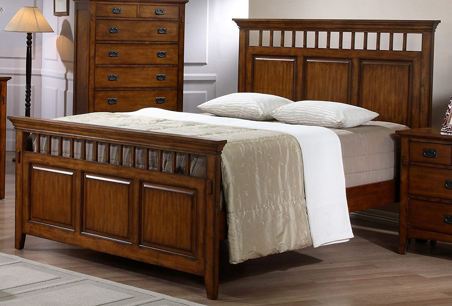 Sunset Trading Tremont Bedroom Queen Bed, Warm chestnut with satin gloss finish
