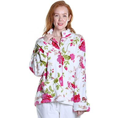 c284e34e55f84 La Cera Women s Floral Microfleece Bed Jacket at Amazon Women s ...