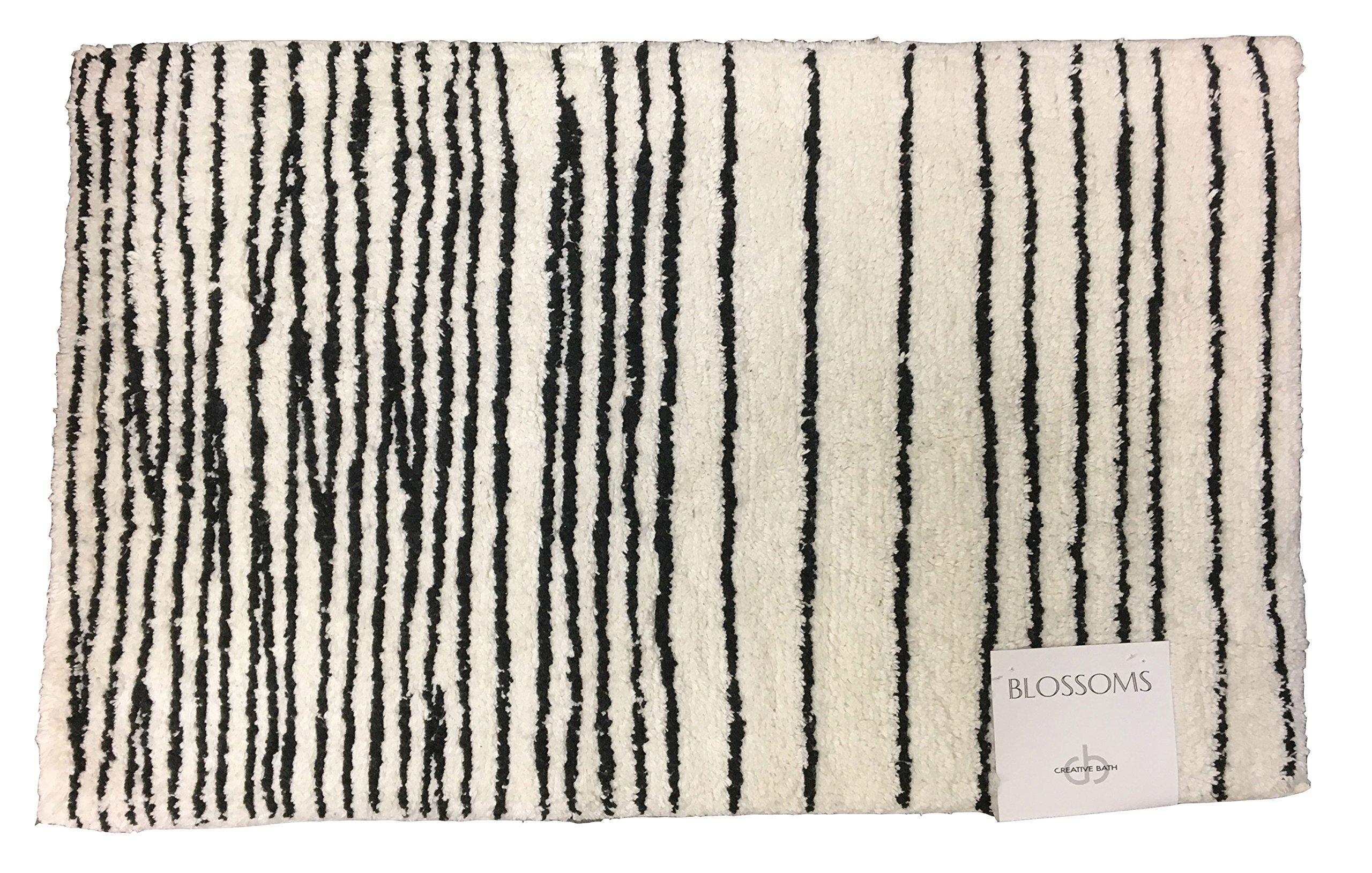 Blossoms Rug - Black/White (21x34'')
