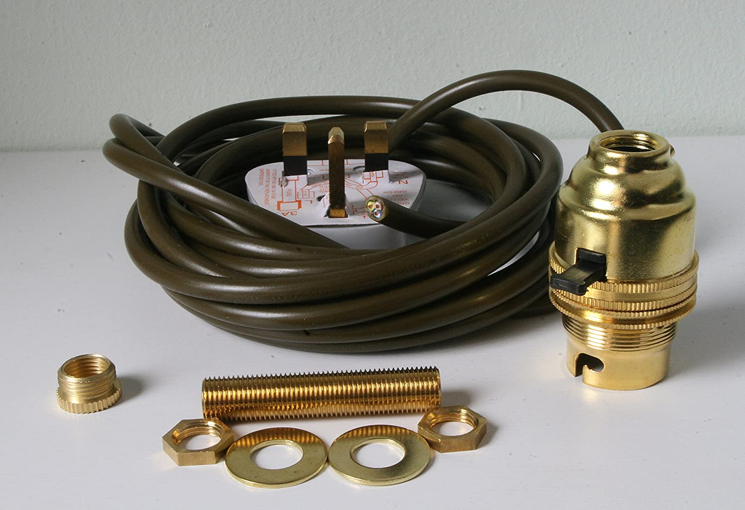 Brass switched lamp holder kit bc fitting cw 10mm thread plug and brass switched lamp holder kit bc fitting cw 10mm thread plug and 3 metres of wire amazon lighting greentooth Image collections