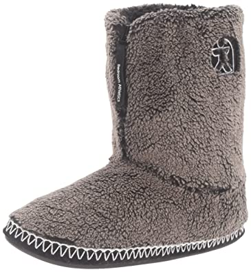 e1bcf118fbdf0 Bedroom Athletics Men's Crowe Snow Tipped Sherpa Slipper Boots - Washed  Black- Small (8