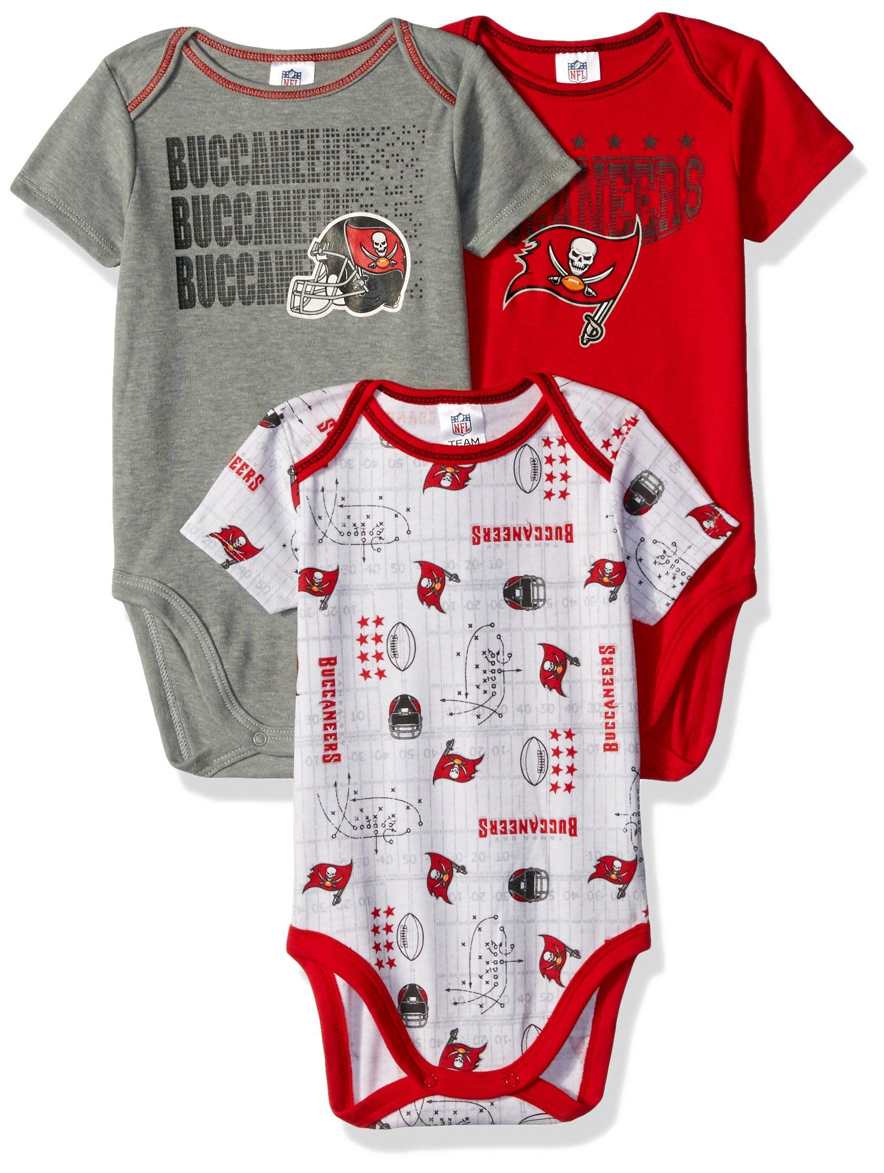 53e614361 Amazon.com  Tampa Bay Buccaneers NFL Football Newborn Baby ...