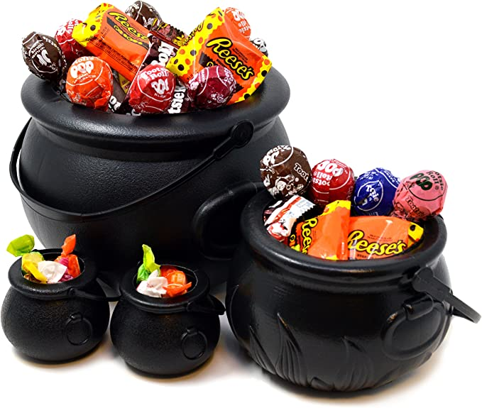 Black Witch Cauldron Candy Holder Pot with Handle Patricks Day Candy Cauldron Kettles with 200 Pcs Plastic Shamrock Coins for St Patricks Day Party Favors 1 Pcs Plastic Cauldrons Candy Kettle St