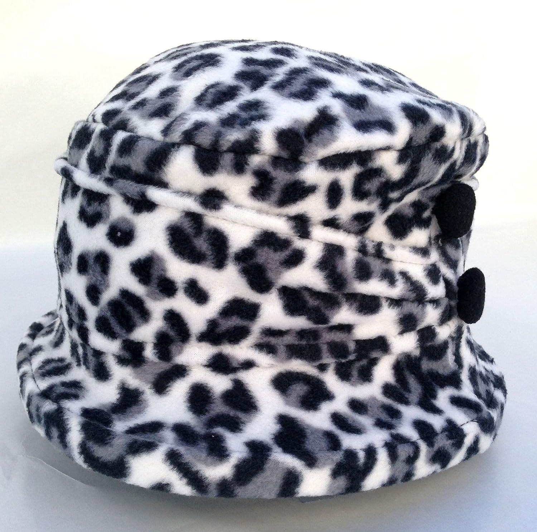 33aaa481d63 Amazon.com   Jeanne Simmons Women s Small Brim Polar Fleece Bucket Hat  (Black   White Cheetah - Black Button)   Beauty Products   Beauty