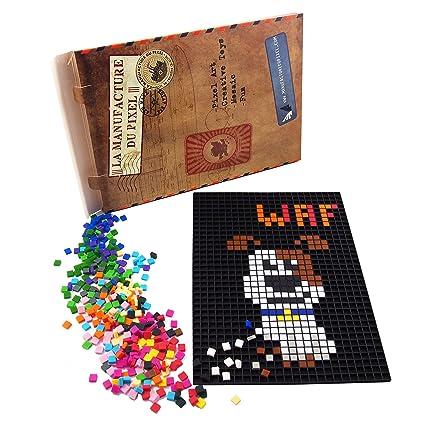 La Manufacture Du Pixel Kit Tapis Et 900 Pixels à Insérer Noir Pixel Art Loisir Créatif Mosaïque Fun Créez à L Infini Tout L Art Qui Vous