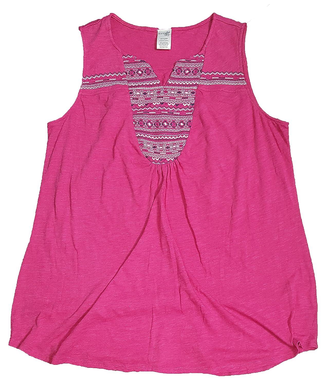 cc0472b35e2 Terra   Sky Women s Plus Size Fuchsia Burst Embroidered Curved Yoke Tank -  2X at Amazon Women s Clothing store