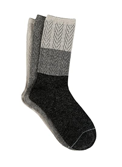a8bb19709d3 Amazon.com  Free Country Women s 3-Pack Crew Socks