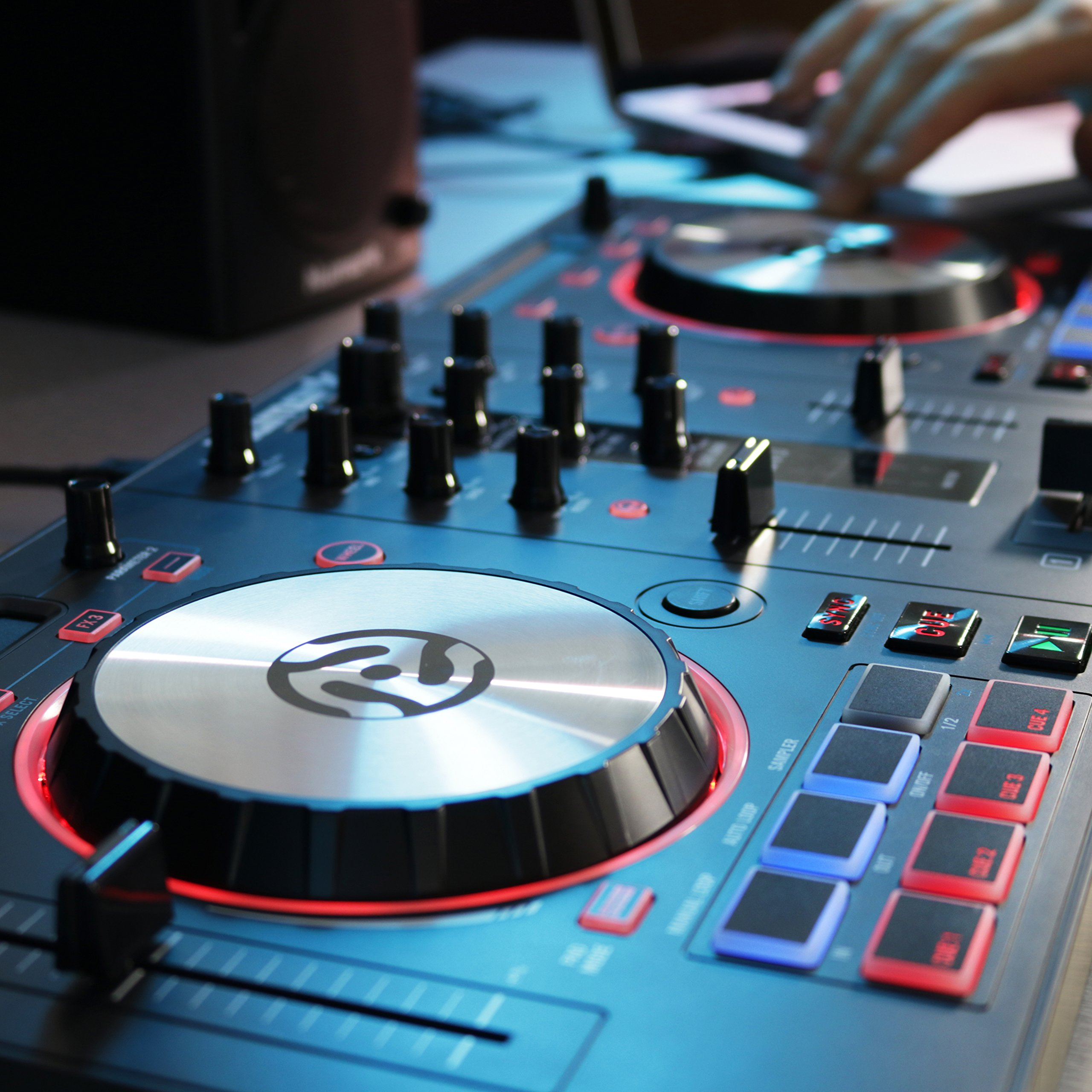 Numark Mixtrack 3 | All-in-one Controller Solution with Virtual DJ LE Software Download by Numark (Image #9)