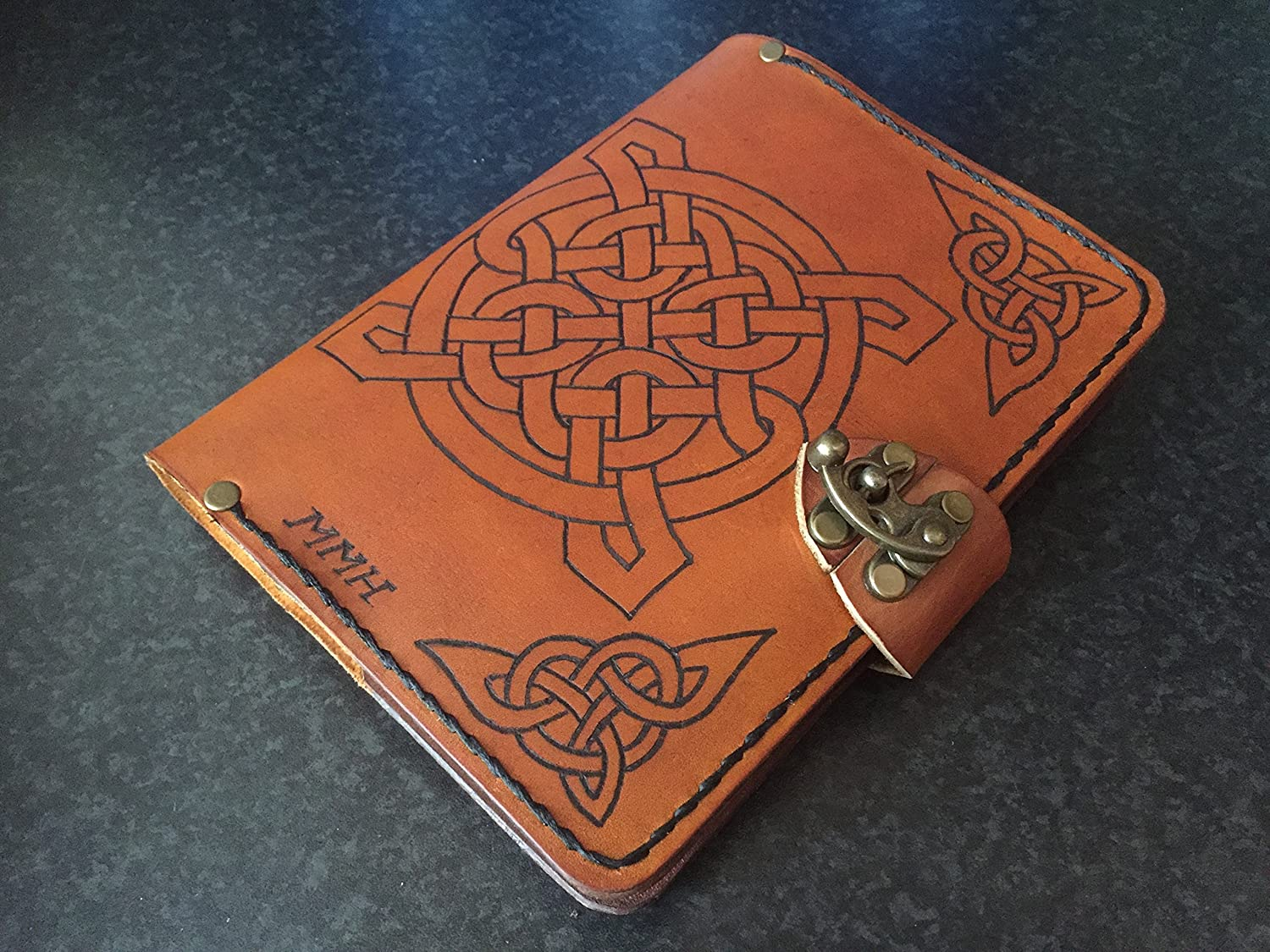 Handmade leather journal,refillable leather journal,personalized leather journal,celtic knots leather journal,leather notebook,distressed leather journal,leather sketchbook