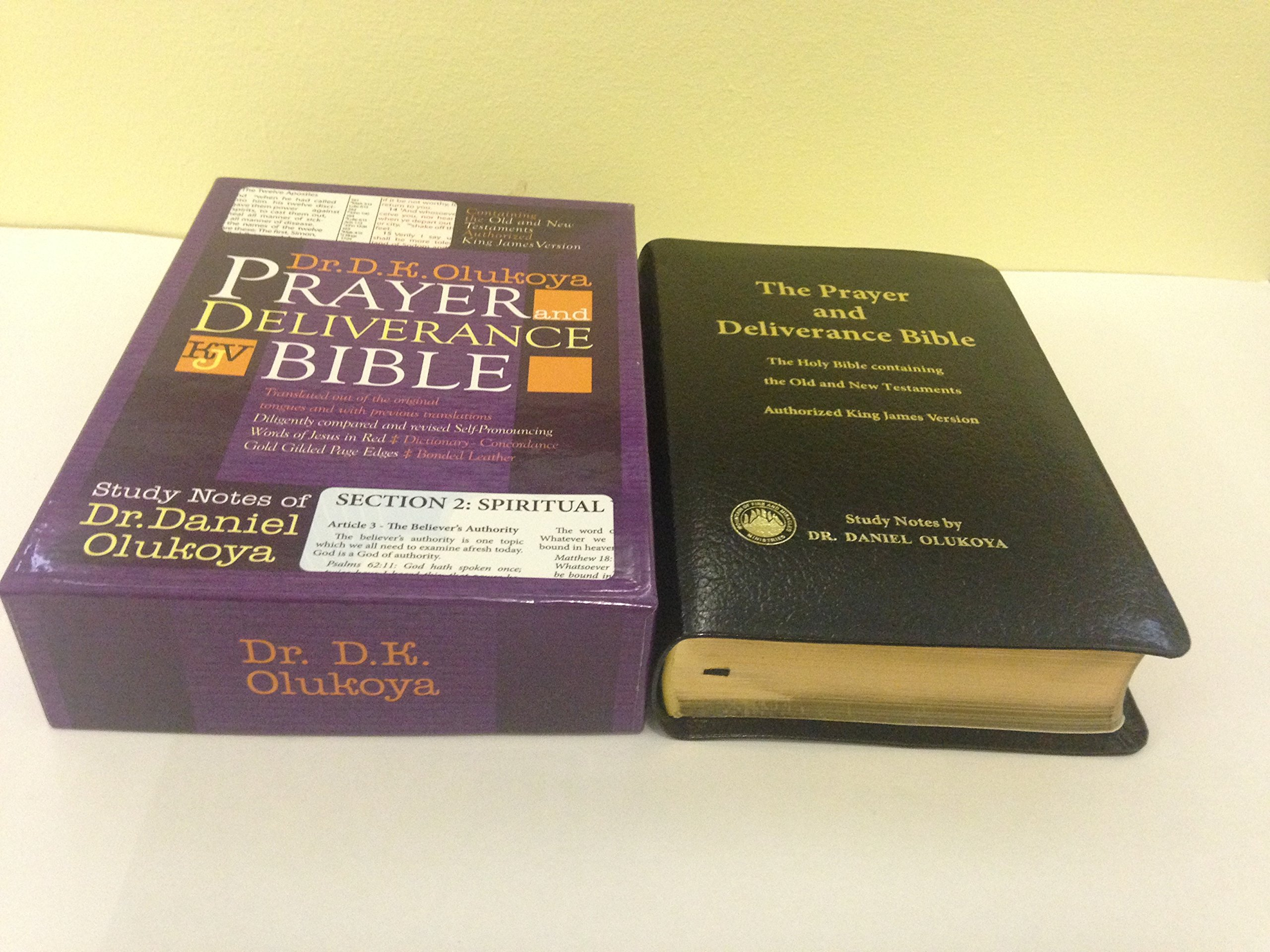 Prayer and Deliverance Bible (Big): Dr D  K  Olukoya: 9781587122040