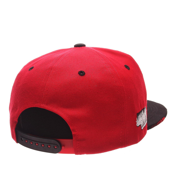5a898bc90b6 Amazon.com   ZHATS NCAA Nebraska Cornhuskers Adult Men s Drop Step Snapback  Hat