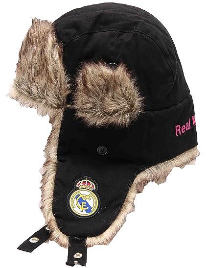 f5fad2143cfeb Amazon.com  Real Madrid FC Football Soccer Men s Winter Ski Trapper ...