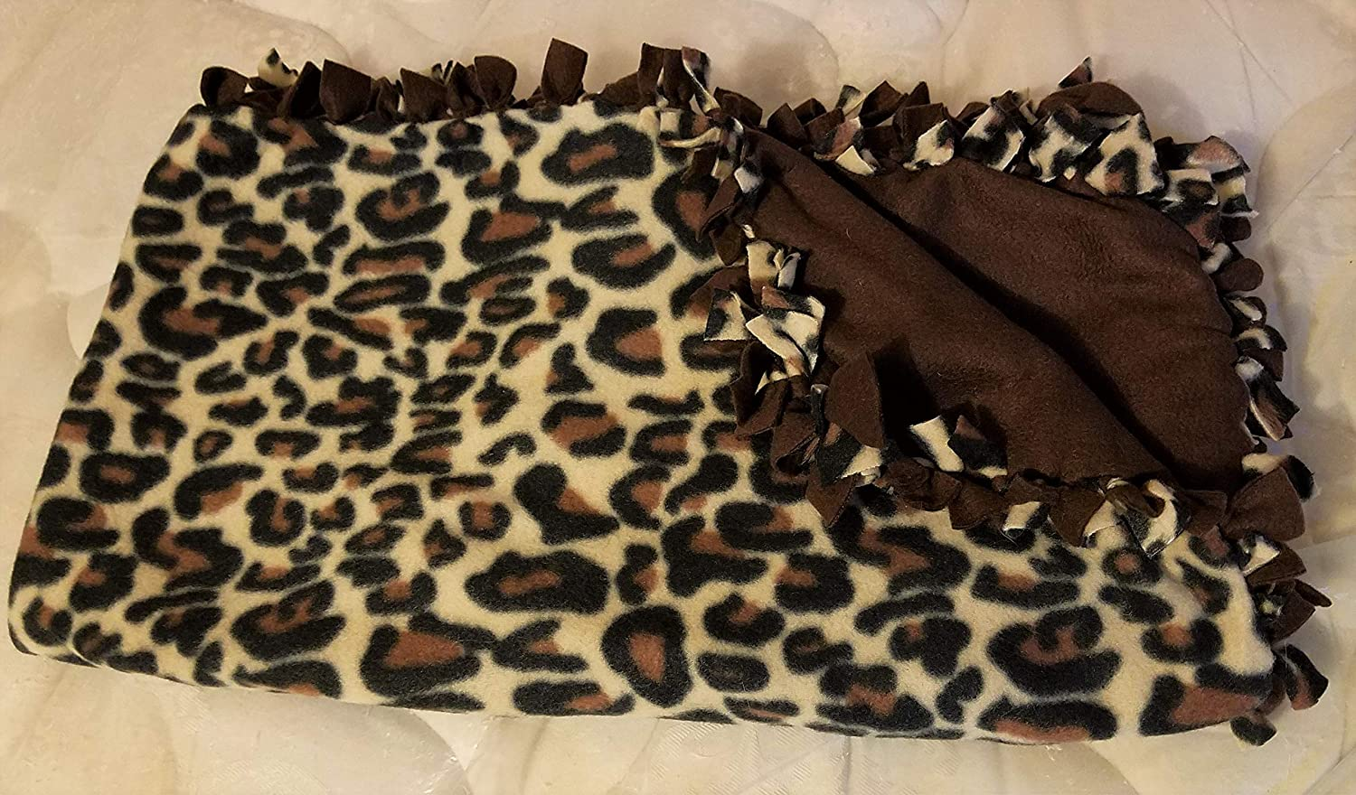Medium Hand-Tied Fleece Pet Blanket (Cheetah)