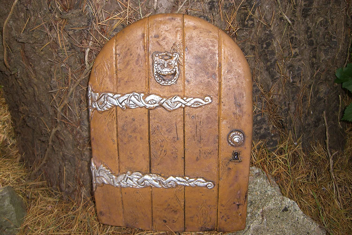 Amazon.com LARGE GARDEN FAIRY/HOBBIT DOOR IDEAL FOR GARDENS AND BOTTOM OF TREES by Penfound Home u0026 Kitchen & Amazon.com: LARGE GARDEN FAIRY/HOBBIT DOOR IDEAL FOR GARDENS AND ...