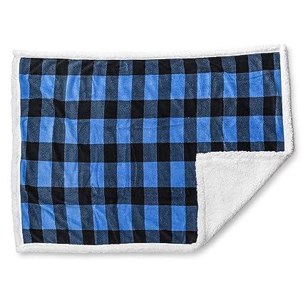 686ac208c7 Amazon.com  TrailCrest Luxury Warm Plush Sherpa Adult Throw Blanket ...