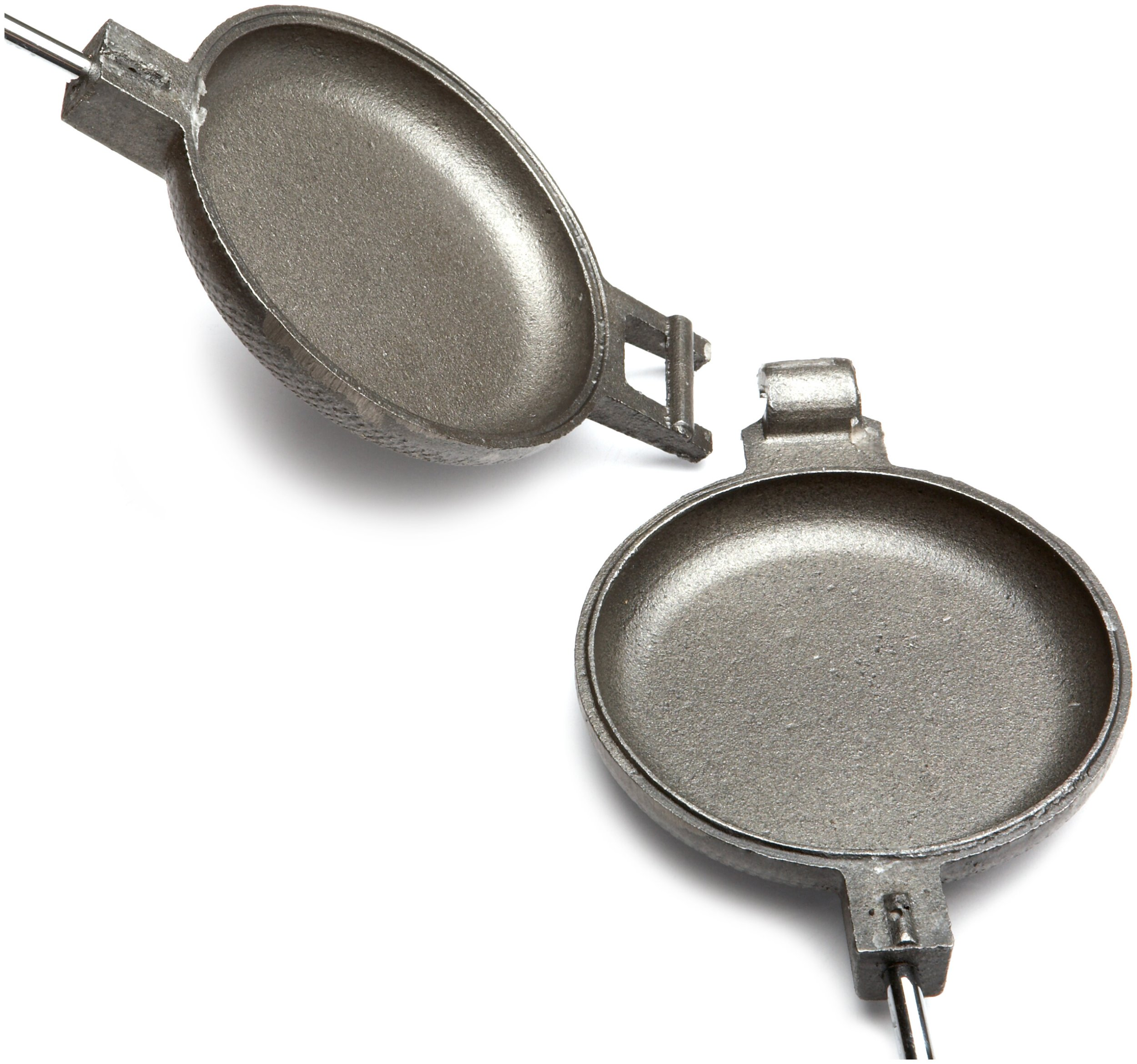 Rome's 1805 Round Pie Iron with Steel and Wood Handles by Rome Industries (Image #3)